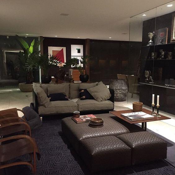 @anamariavieirasantos | Finalizando produção Casa Cor #casualmoveis #cardeal #museujockeyclub #celinadias #gramaeflor #laerengenharia #amaralvidros #bykamy #lalampe #mariliarazuk #loeil