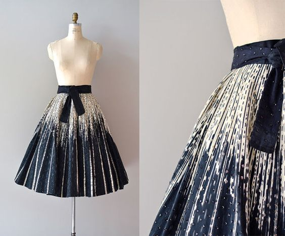 Border print and beads!   1950s skirt / metallic / Shadows and Light skirt by DearGolden, $128.00