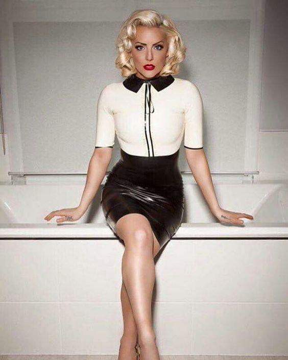 latex skirt Black