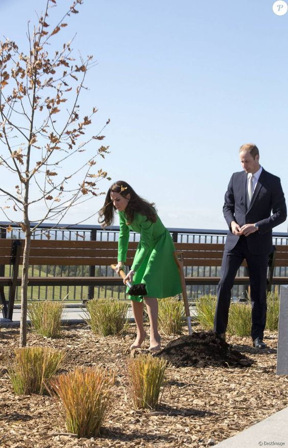 Le prince William et Kate Middleton à l'Arboretum National à Canberra en Australie, le 24 avril 2014.: