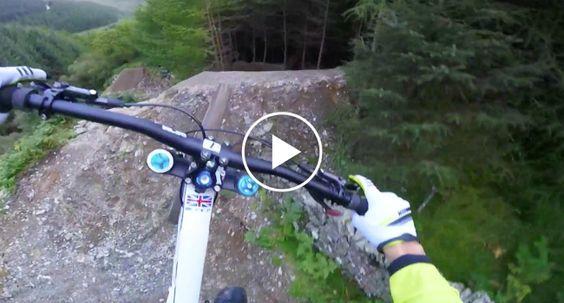 Ficará Sem Respiração Só De Ver o Trilho Assustador Que Ele Fez Em Bicicleta http://www.funco.biz/ficara-respiracao-so-de-ver-o-trilho-assustador-que-ele-fez-em-bicicleta/