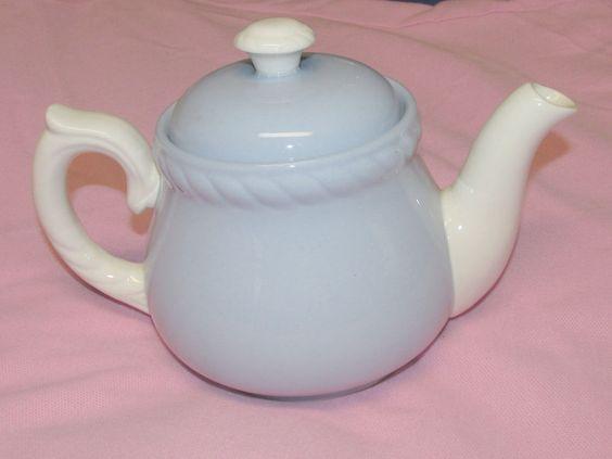 """Vintage Homer Laughlin Kraft-Blue Tea Pot & Lid 6"""" Tall Light Blue & White  #HomerLaughlin"""