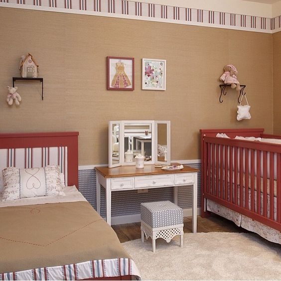 Quartinho de bebê l Mix de cores e texturas, deixaram este decor um mimo!!! Projeto @inhousedesigners #babyroom #bedroom #quartodebebe #baby #babies #bebe #cute #architect #decorblog #decoração #photo #wallpaper #papeldeparede #love #details #homedecor #instahome #goodnigth #boanoite #decor #arquitetura #architecture #blog #inspiration #beautiful #girl #blogfabiarquiteta #fabiarquiteta  www.fabiarquiteta.com