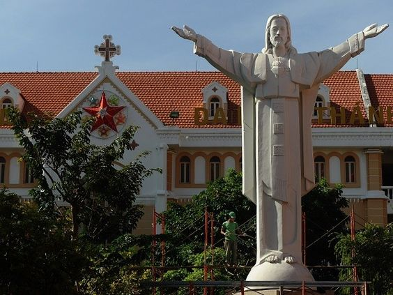 Vietnam Allows First Catholic University Since Communist Takeover https://t.co/k1ntJIhs1w
