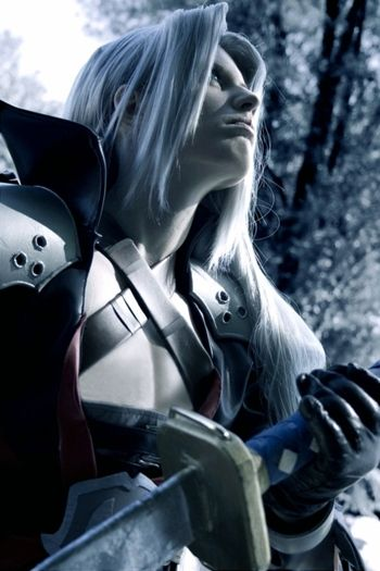 Sephiroth in Kingdom Hearts Cosplay