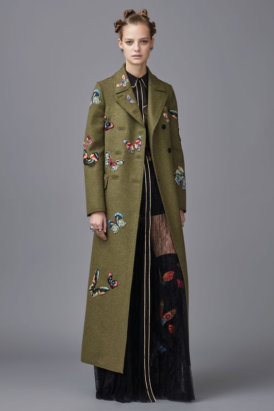 #Farbbberatung #Stilberatung #Farbenreich mit www.farben-reich.com Valentino Pre-Fall 2016 Collection Photos - Vogue:
