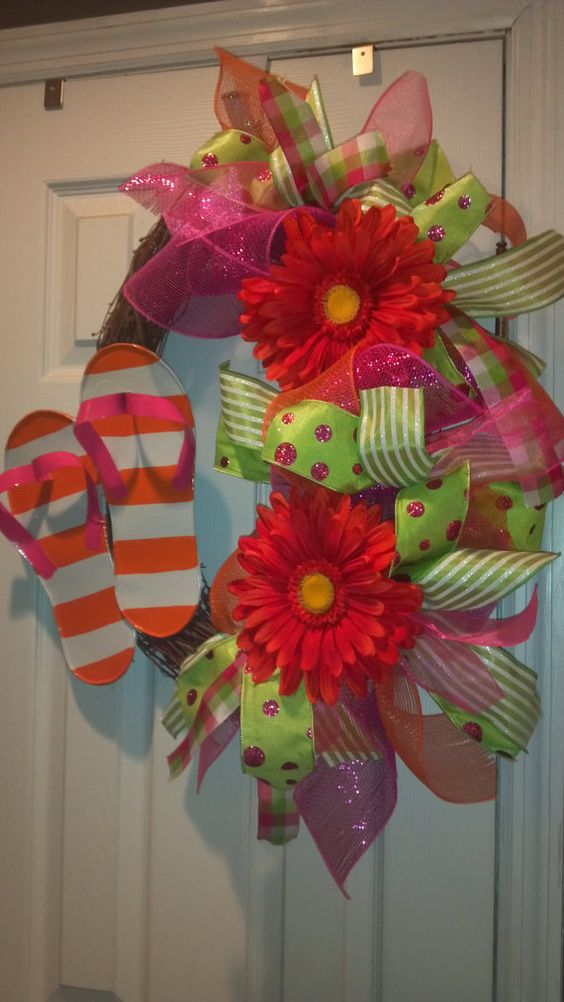 Flip flop wreath need to figure out how i can get for Get paid to make crafts