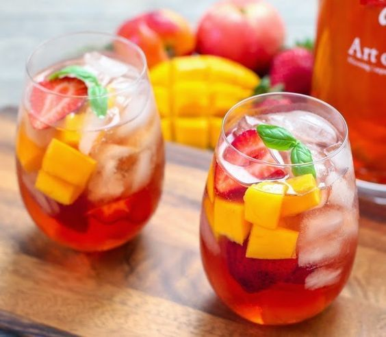 Iced Tea Sangria   17 Super Easy Sangrias To Make This Summer #drinks #boomerangdining