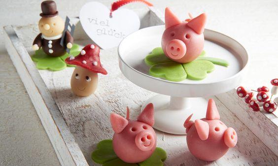 Marzipan-Glücksschweinchen Rezept | Dr. Oetker