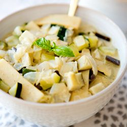 easy green curry, perfect for a weeknight dinner!