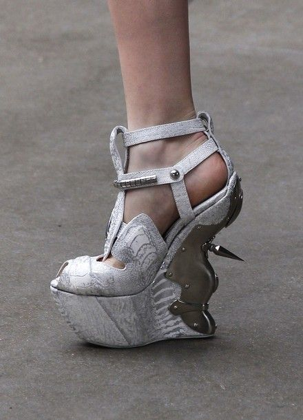 Insane shoes @ McQueen by Sarah Burton FW 11-12 #pfw