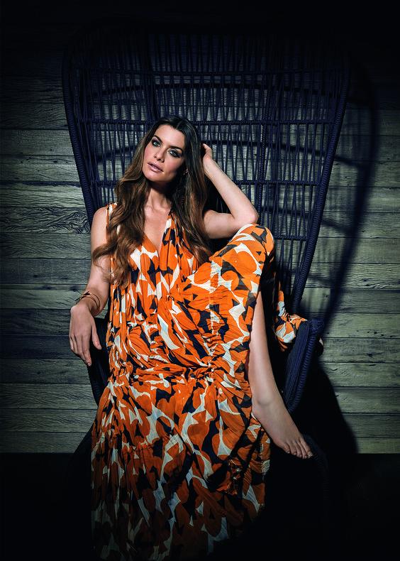 """Alinne Moraes """"Em nova versão"""" - Foto: FABIO BARTELT"""