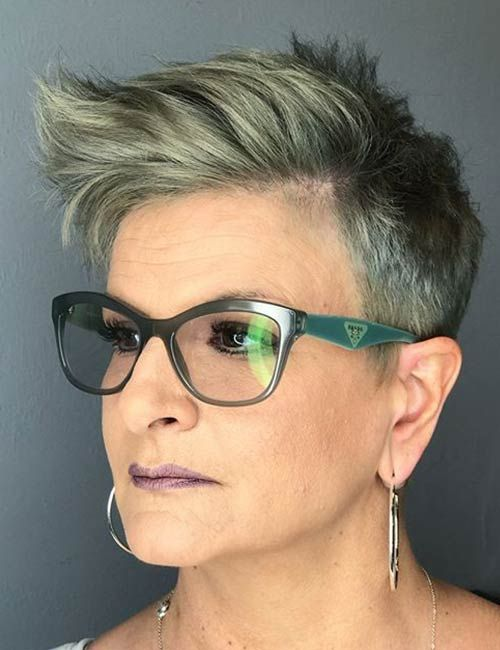 Hairstyles For Women Over 60 With Glasses Elle Hairstyles Hair Styles Grey Hair Color Older Women Hairstyles