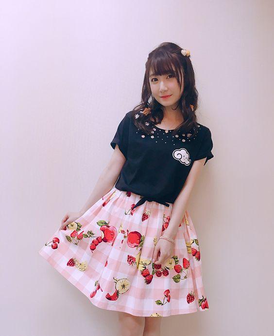 苺のスカートの日高里菜さん