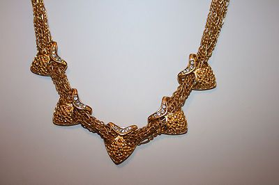 VINTAGE MULTI HEART CHOKER NECKLACE W/ CLEAR CRYSTAL ACCENTS IN GOLDPLATE