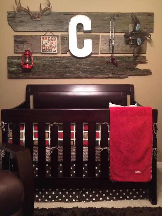 Look at this handsome Houndstooth-themed nursery for baby boy Cooper, made by his talented Mommy, Kerri J.! Great work on this nursery, Mommy! We're proud to have been a part of it and helped you create the perfect space for your little boy!  If you'd like to see all the items available in the Houndstooth nursery bedding collection, you can browse here:  www.cottontaledesigns.com/collections/houndstooth