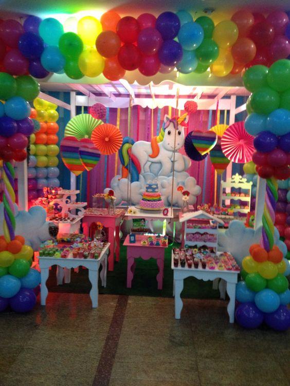 Fiesta unicornio arcoiris es hermosa fiesta infantil - Ideas decoracion fiesta ...