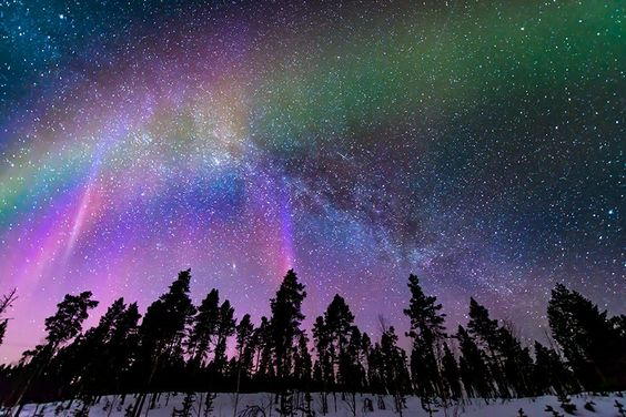 "Mia Stålnacke on Twitter: ""Who's seeing aurora tonight!? Cloudy here :/ pic from March. Milky Way + Andromeda @VirtualAstro @universetoday https://t.co/2w1HrNF35Z"""