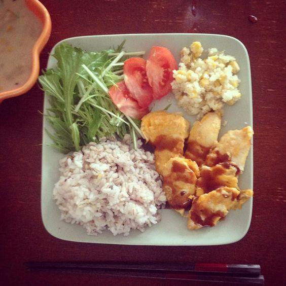 洗いもの格段に減るからこれからはプレートご飯にする()だらだら()ささみピカタうまかった.  #女子出ちゃった #watanabenaomi703 by _nakataka