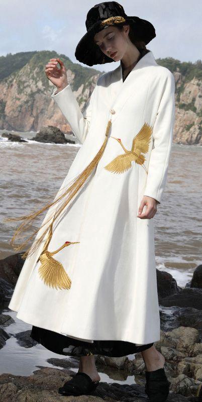 Women trendy plus size long coat V neck jackete mbroidery tassel coats