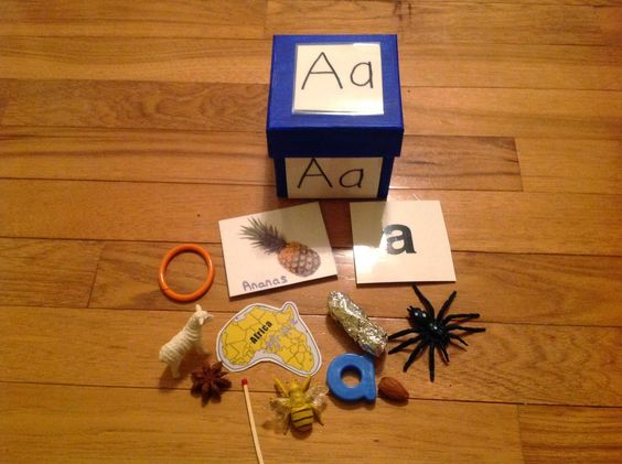 activites basees sur la methode montessori a la maison le son des lettres en boite. Black Bedroom Furniture Sets. Home Design Ideas