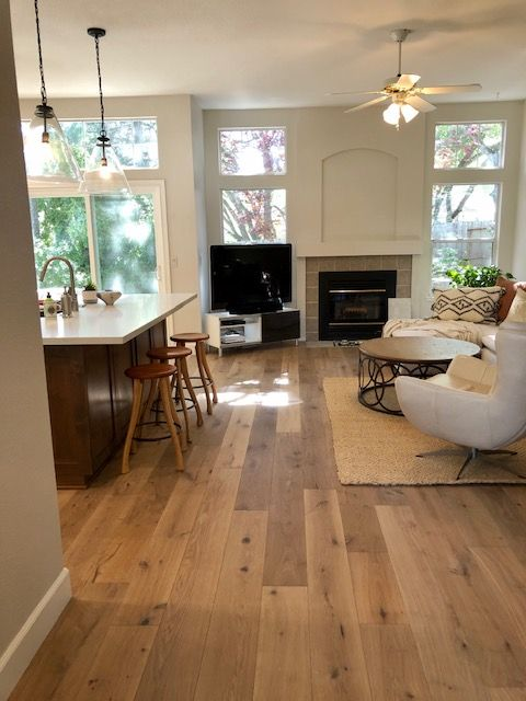 Malibu Oak Hardwood Hallmark Floors In 2020 French Oak Flooring Oak Hardwood Flooring