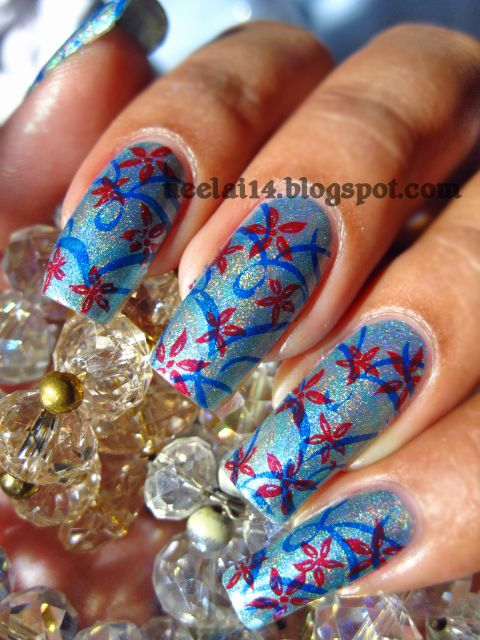 The flowers make these nails so abstract, but elegant at the same time. Wear these while on vacation!