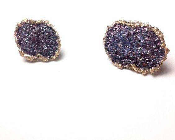 ゴールドの縁取りに青く紫の色が美しいcoquilleシリーズ貝殻モチーフ M%%%%%%%%%%%%%%%%%%%%おおよそのサイズ:約20mm×...|ハンドメイド、手作り、手仕事品の通販・販売・購入ならCreema。