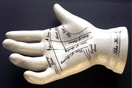 Les modifications des lignes de la main supposées changer le destin.   Les 13 opérations de chirurgie esthétiques les plus folles