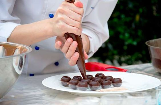 <p>All you need is curiosity and a sense of adventure to benefit from a tantalizing range of free co... - Learn to Cook