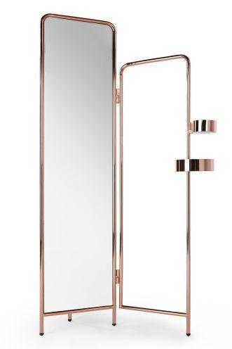 Alana Kleiderständer mit Spiegel in Kupfer. Der Spiegel lässt sich etwas nach vorne und hinten kippen, damit du alles an dir sehen kannst. Beautyprodukte oder Schmuck kannst du in den runden Ablagen verstauen.