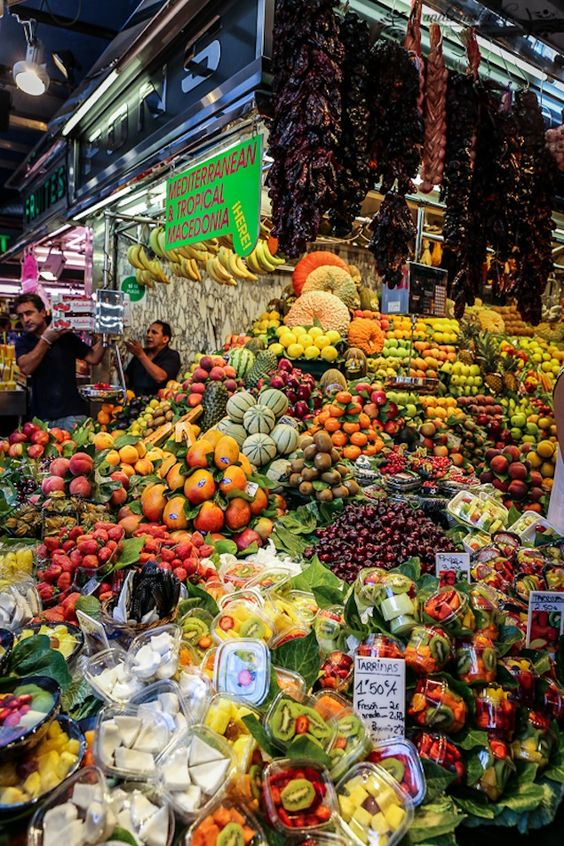 When visiting the Market of la Boqueria in Barcelona be ready to enjoy an incredible contrast between colors & activity. Discover why Mediterranean cuisine is internationally known due to its ingredients, the best products from Catalonia in one place. You are guaranteed to have a memorable experience!