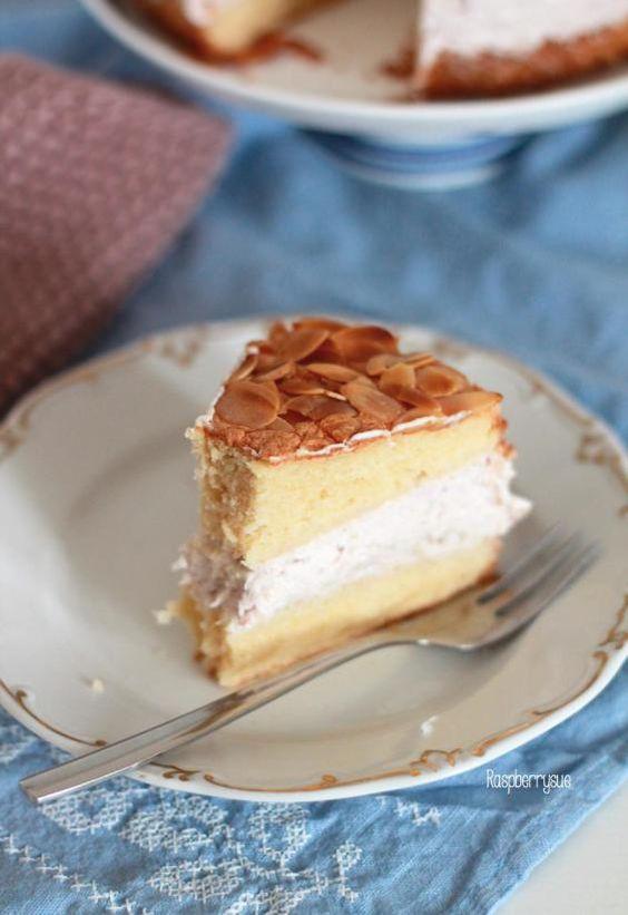Himbeer-Rhabarber-Torte #ichbacksmir #biskuit
