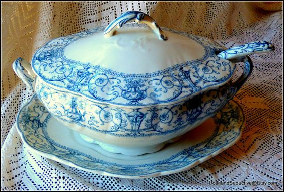 Victorian antique porcelain set of extra large lidded tureen, underplate and ladle by Doulton Burslem Selborne pattern lavender blue c.1895