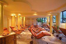 Einer der Ruheräume - südseitig mit Ausblick auf die Berge http://www.pulverer.at/thermen-hotel-bad-kleinkirchheim.it.htm