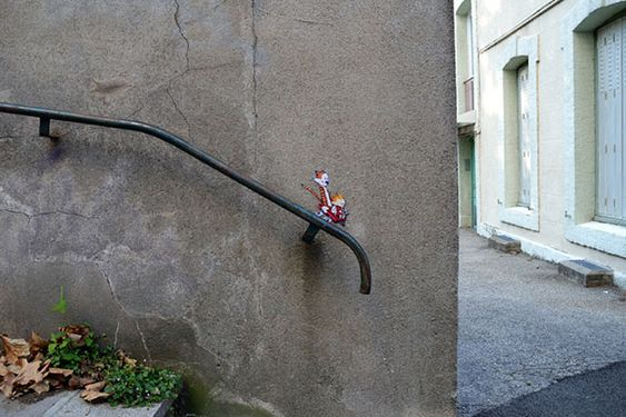 25 Creative Examples of Small Street Art: