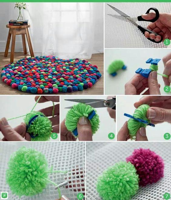 Bommel teppich stricken und hakeln pinterest pom pom for Balkon teppich mit tapete selber machen