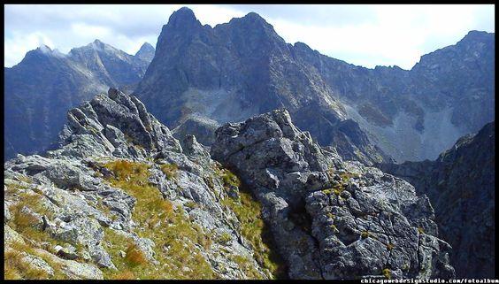 Polska / Poland / Szpiglasowy Wierch w Tatrach / Góry / Tatra Mountains #Tatry #Tatra-Mountain #Góry #szlaki-górskie #piesze-wędrówki-po-górach #szczyty-górskie #Polska #Poland #Polskie-góry #Szpiglasowy-Wierch #Szpiglasowa-Przełęcz #Zakopane #Tatry-Wysokie #Polish Mountains #Morskie Oko #Czarny-Staw #na -szlaku-z-Doliny-Pięciu-Stawów-poprzez-Szpigla sową-Przełęcz-i-Szpiglasowy-Wierch-do-Morskiego-Oka #turystyka górska