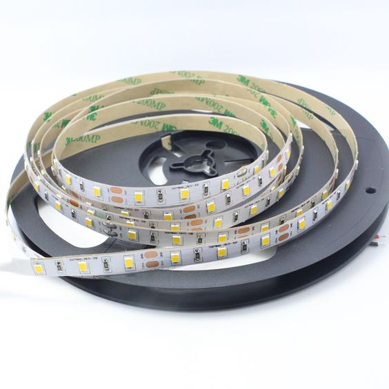 <strong>60led per meter SMD2835 Flexible LED Strip</strong>  DC24V /DC12V input., Power≤12W  Flexiblestrip,cuttableevery3LED SMD 2835,60leds/m PCBcolor:whiteoryellowboard. Beamangle:120degree