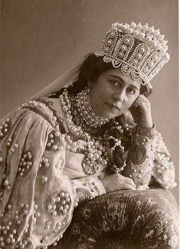Antonina Nezhdanova (1873 - 1950)  russian opera soprano singer: