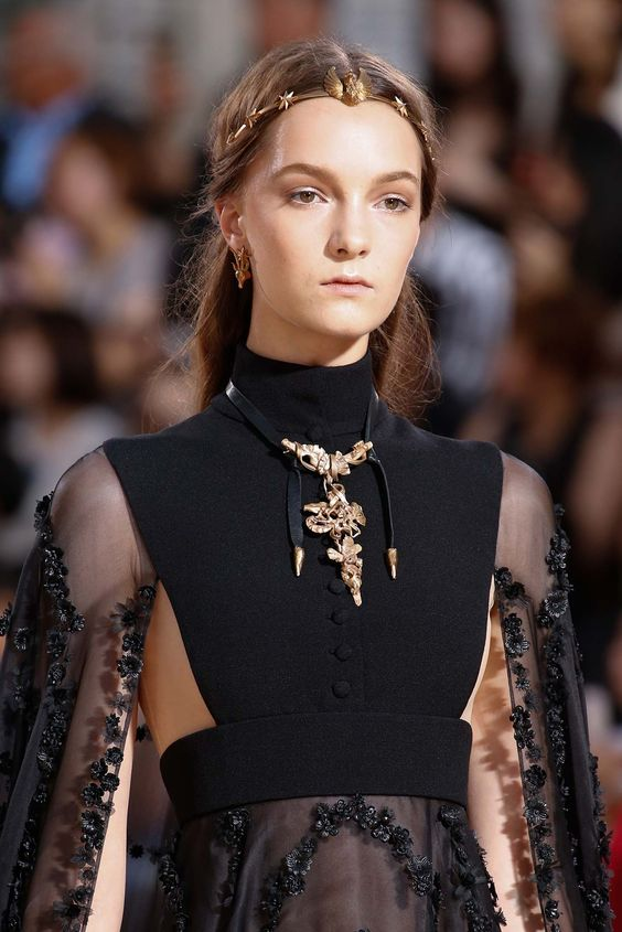 Valentino Fall 2015 Couture - Collection - details: