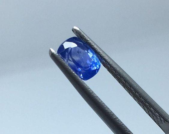 2-4mm Round Cut VS Loose Stone Wholesale Natural Medium-Dark Blue Sapphire