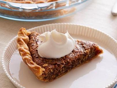 Oatmeal Raisin Cookie Pie #UltimateComfortFood
