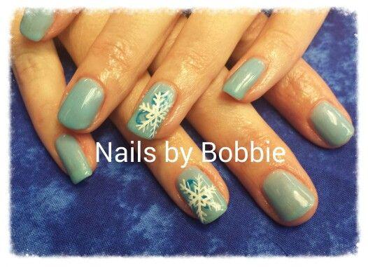 Snow flake nails #head2toesalon #nailsbybobbie