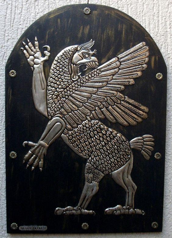 TIAMAT - Placa Decorativa em repujado sobre alumínio. 35X50cm.