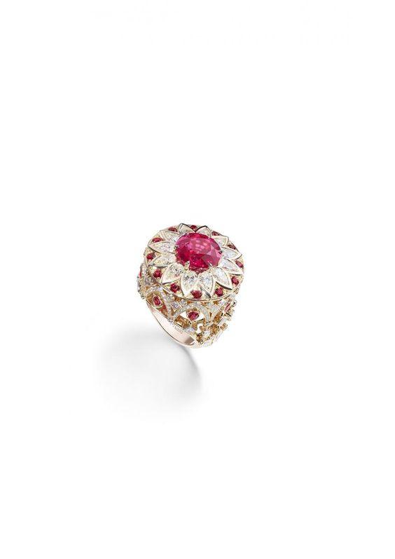Piaget – Saphire aus Sri Lanka, Rubine aus Mosambik und die reinsten Diamanten schmücken die kostbaren Ringe, Colliers und Ohrringe