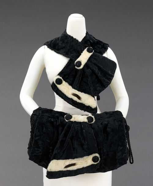Scarf and Muff 1931, Made of fur