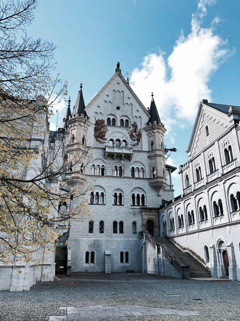 Schloss Neuschwanstein Tickets So Machst Du Es Richtig Reiselife Neuschwanstein Europa Reisetipps Familienreisen
