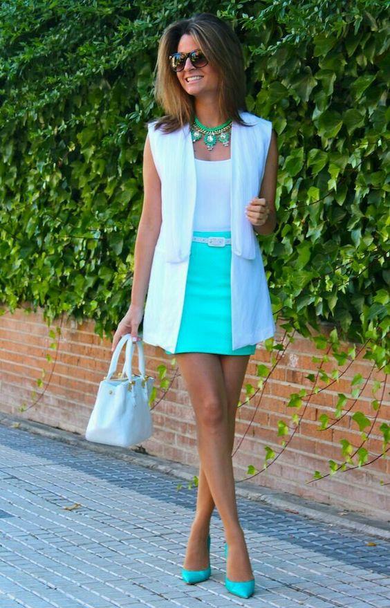 outfits blanco con celeste