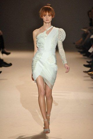 Givenchy Fall 2007 Couture Fashion Show - Lisa Cant